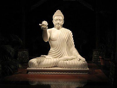 Chanting the Three Refuges | Buddha Fields