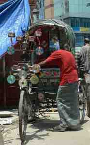 Life on the streets of Dhaka | Our Meanderings