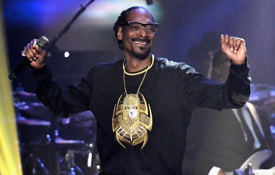 Snoop Dogg will star in a stage show about his life - NME
