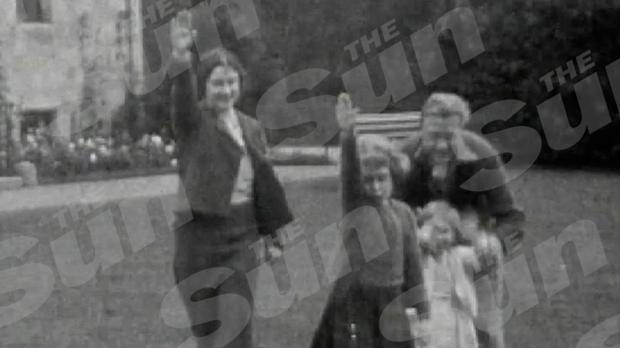 Edouard VIII fait faire un salut nazi à la future reine ...