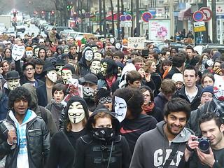 A chaque manifestation le nombre de masques augmente | Flickr