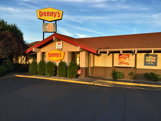 My wheat toast with plenty of butter - Picture of Denny's ...
