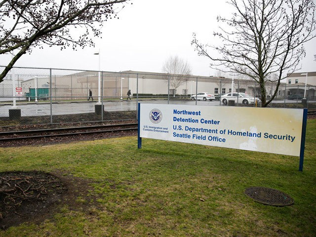 Federal Judge Rules Migrants Must Stay in Detention Center…