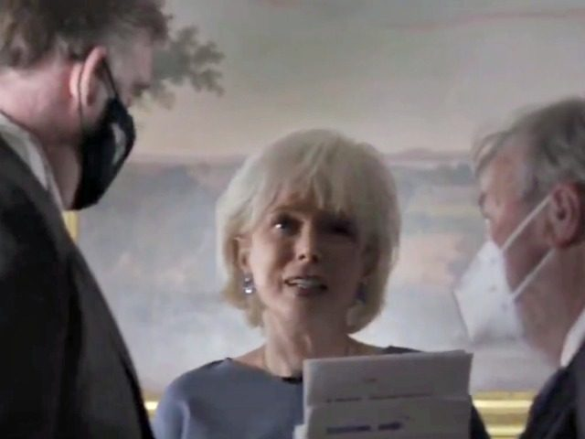 Trump Leaks Video of 60 Minutes Lesley Stahl After Cutting ...