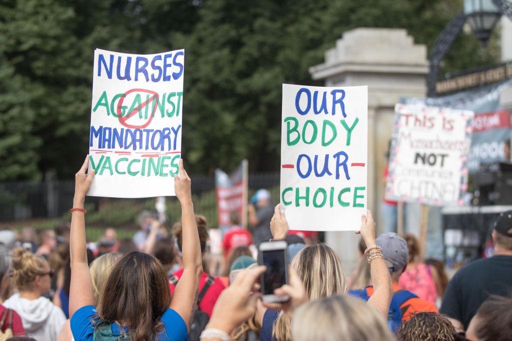 IMAGES: Hundreds Protest Massachusetts Flu Vaccine Mandate ...