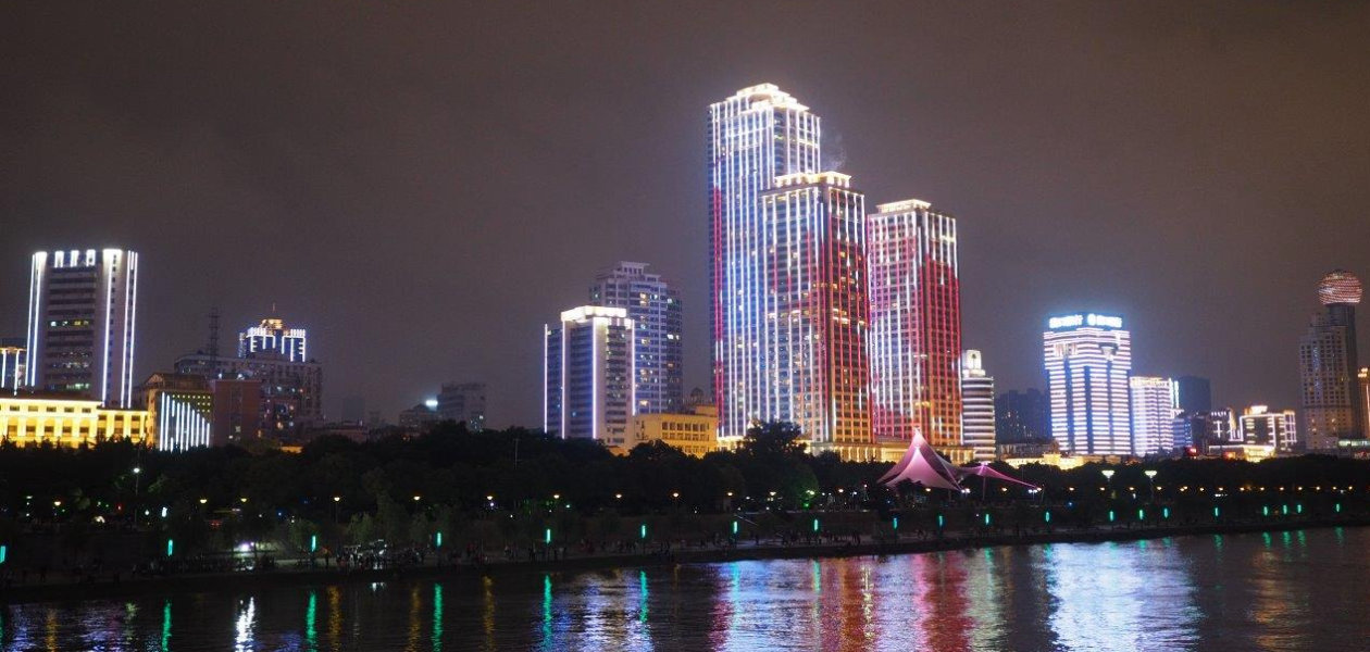 360 ° light show in Wuhan, China | Lighting Solutions