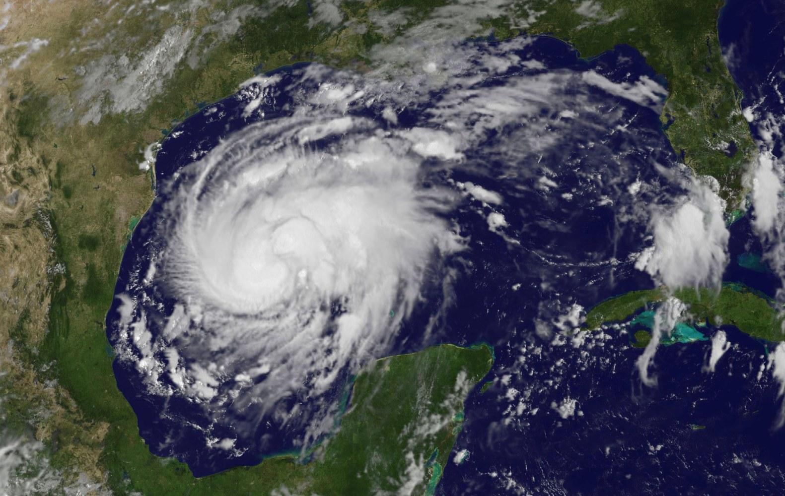 Hurricane Harvey Intensifies to Category 2 as It Roars Toward Texas - NBC News