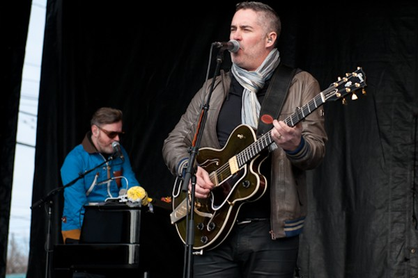 """Barenaked Ladies' Ed Robertson Has """"All the Answers"""" at ..."""