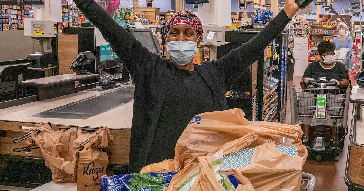 Tyler Perry buys groceries for thousands of seniors, high ...