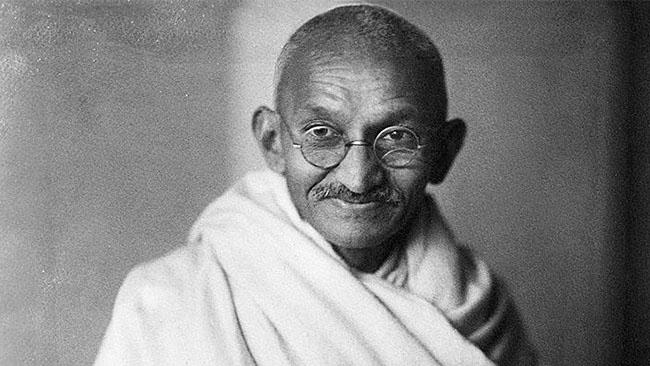 Studenter i Manchester vill stoppa staty av Gandhi som ...