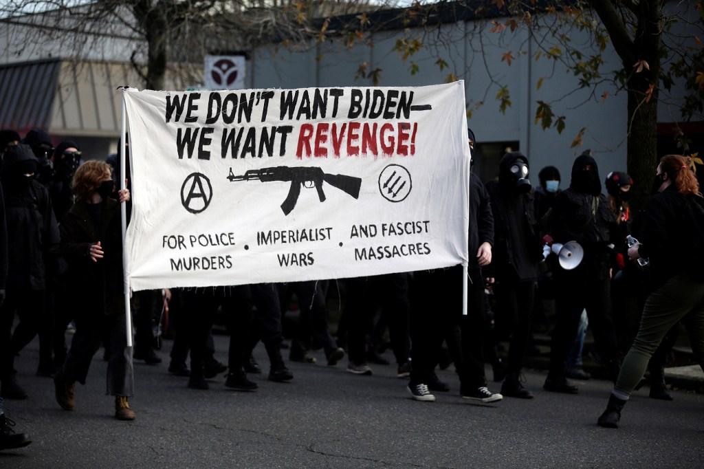 Leftist protesters wreak havoc, confront cops in Portland