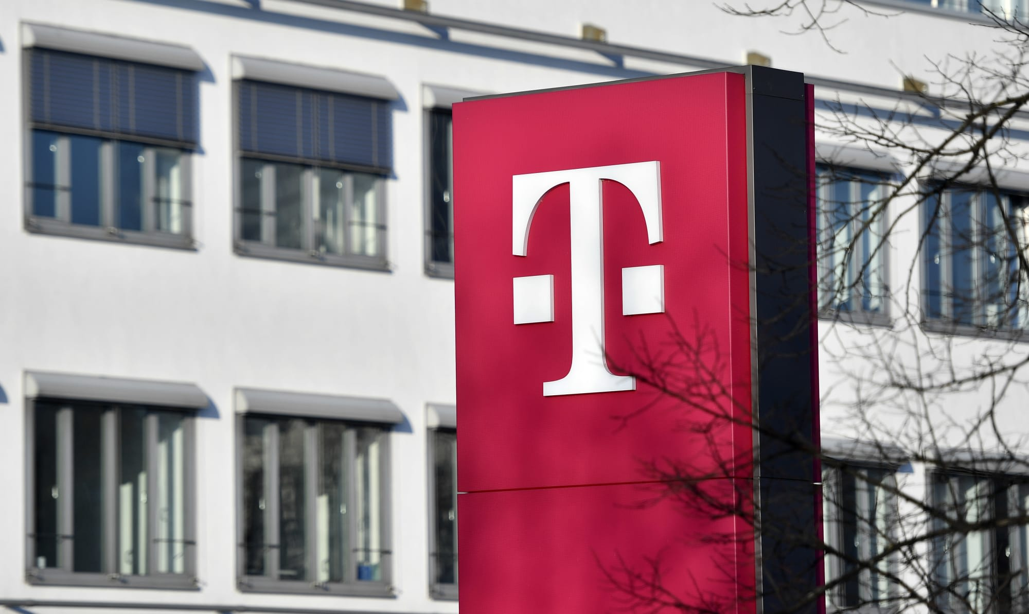 T-Mobile confirms customers' personal data accessed in hack…