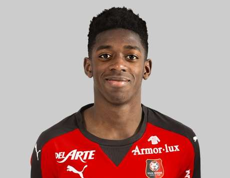The 19-year old son of father (?) and mother(?), 178 cm tall Ousmane Dembélé in 2017 photo