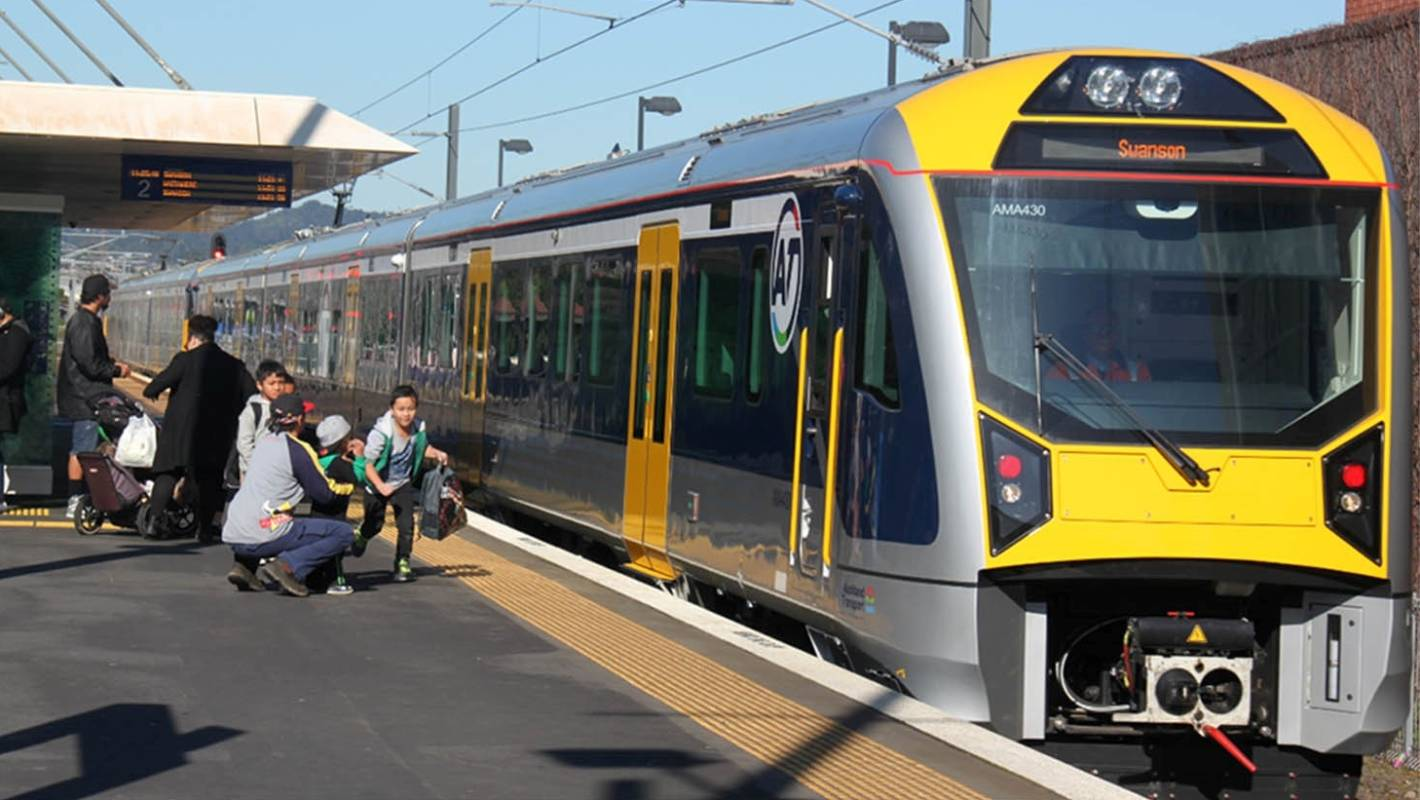 Government to fund central Auckland rail link two years ...