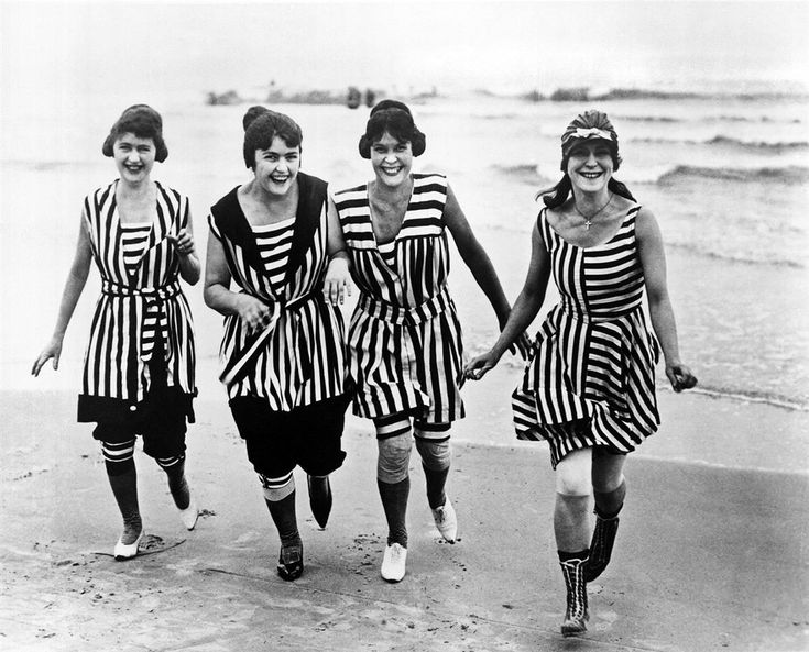 ... By the early 20th century women still wore knickers… | Pinteres