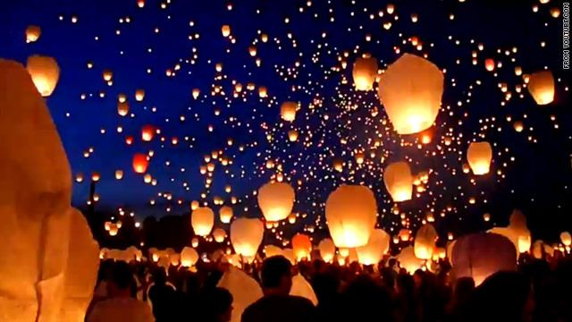 Release of 11,000 lanterns in Poland, a real-life scene ...