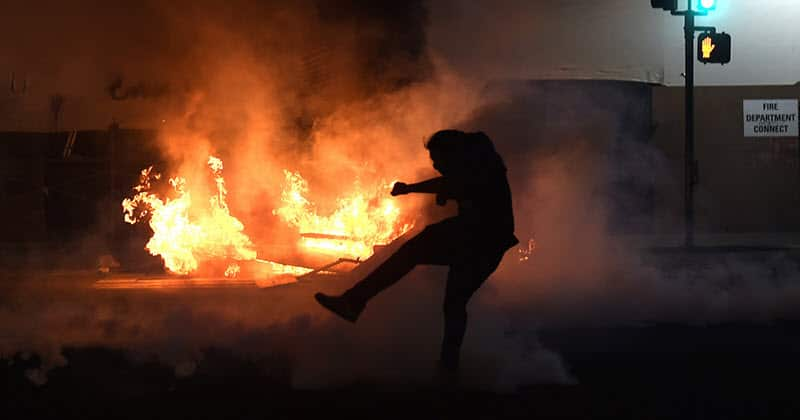 USA Is On The Edge Of Widespread Civil Unrest | EUTimes.net