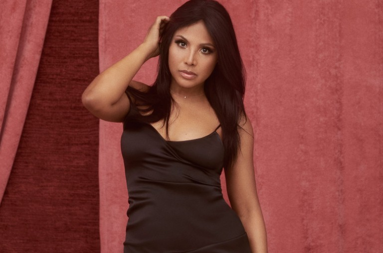 Toni Braxton's 'Do It' Jumps to No. 1 on Adult R&B Songs ...