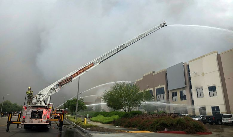 Fire destroys Southern California warehouse linked to Amazon…