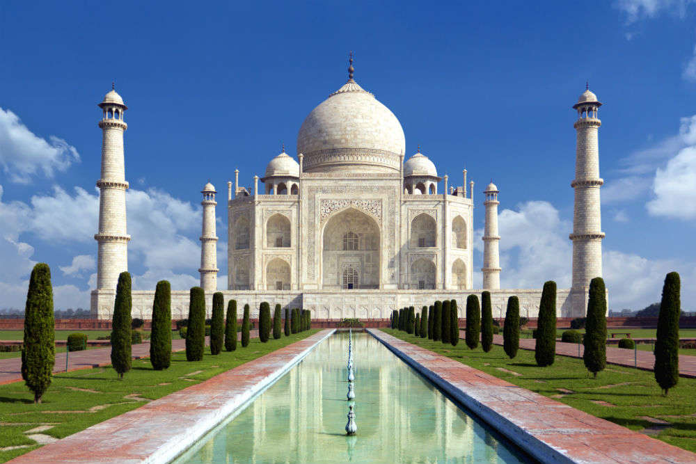 Taj Mahal entry restricted to 3 hours for tourists | Times ...