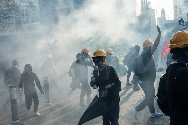 Hong Kong Strike: Spreading Clashes Paralyze City - The ...