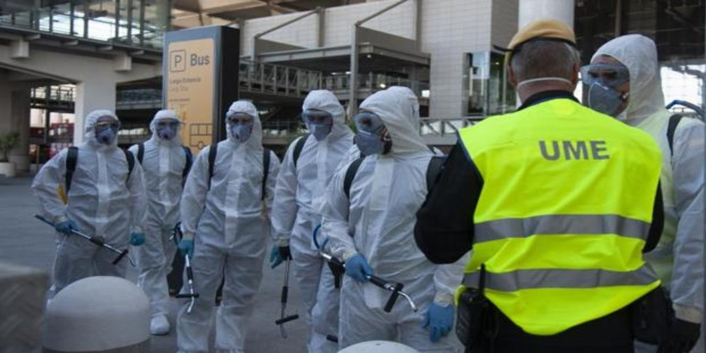 The Frontex headquarters in Las Palmas are covered with ...