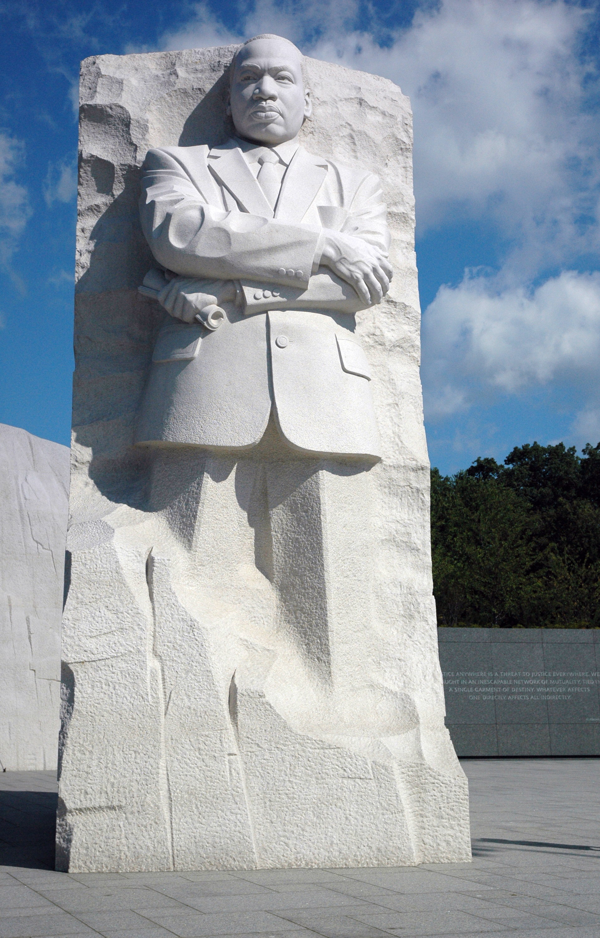 MLK memorial dedicated on the National Mall – Summit County Citizens ...