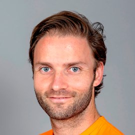 The 32-year old son of father (?) and mother(?) Rogier Hofman in 2018 photo. Rogier Hofman earned a  million dollar salary - leaving the net worth at 1 million in 2018