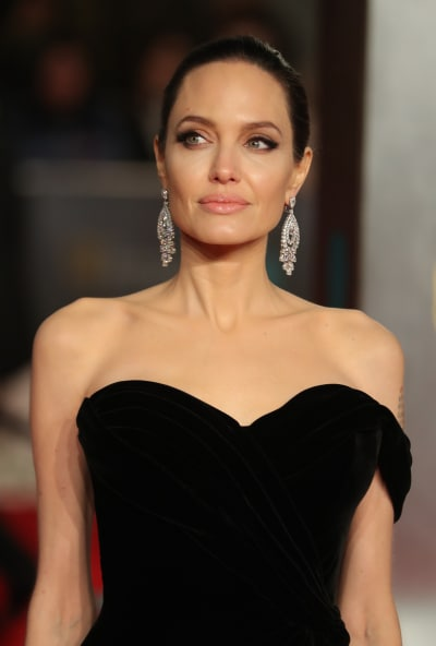 Angelina Jolie Slams Brad Pitt: A Loan is NOT Child ...