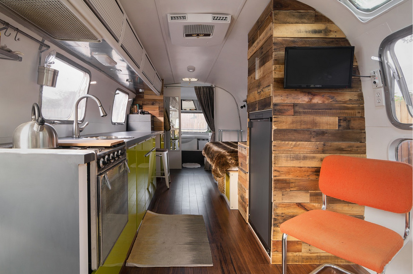 Vintage Airstream | THE CAVENDER DIARY