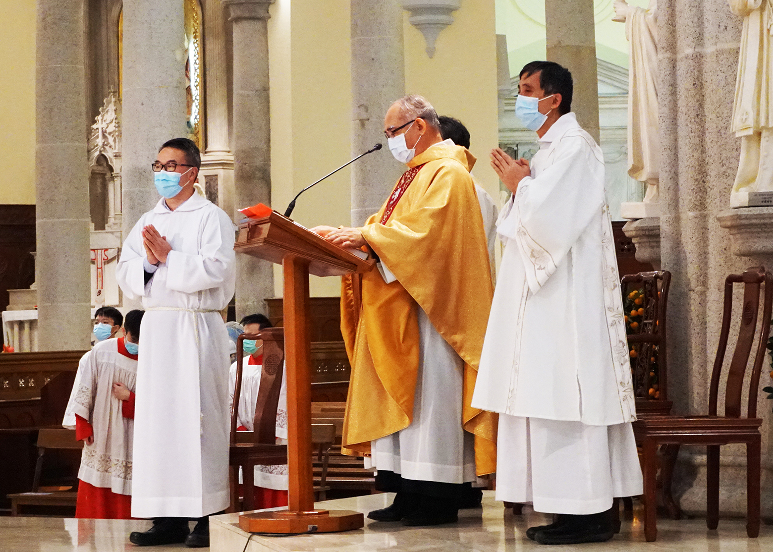 Vatican donates protective masks to China to combat ...