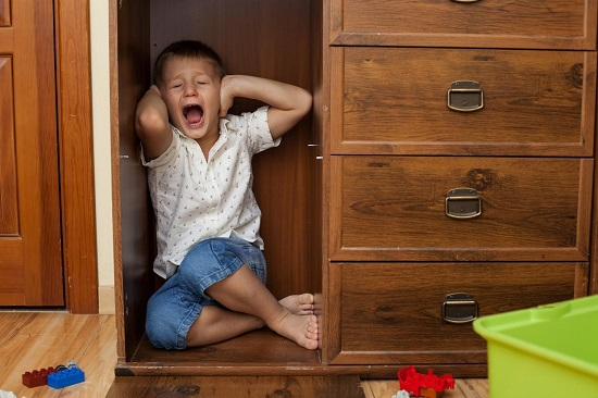 Symptoms of Childhood Trauma in Adults and The Lasting Effects