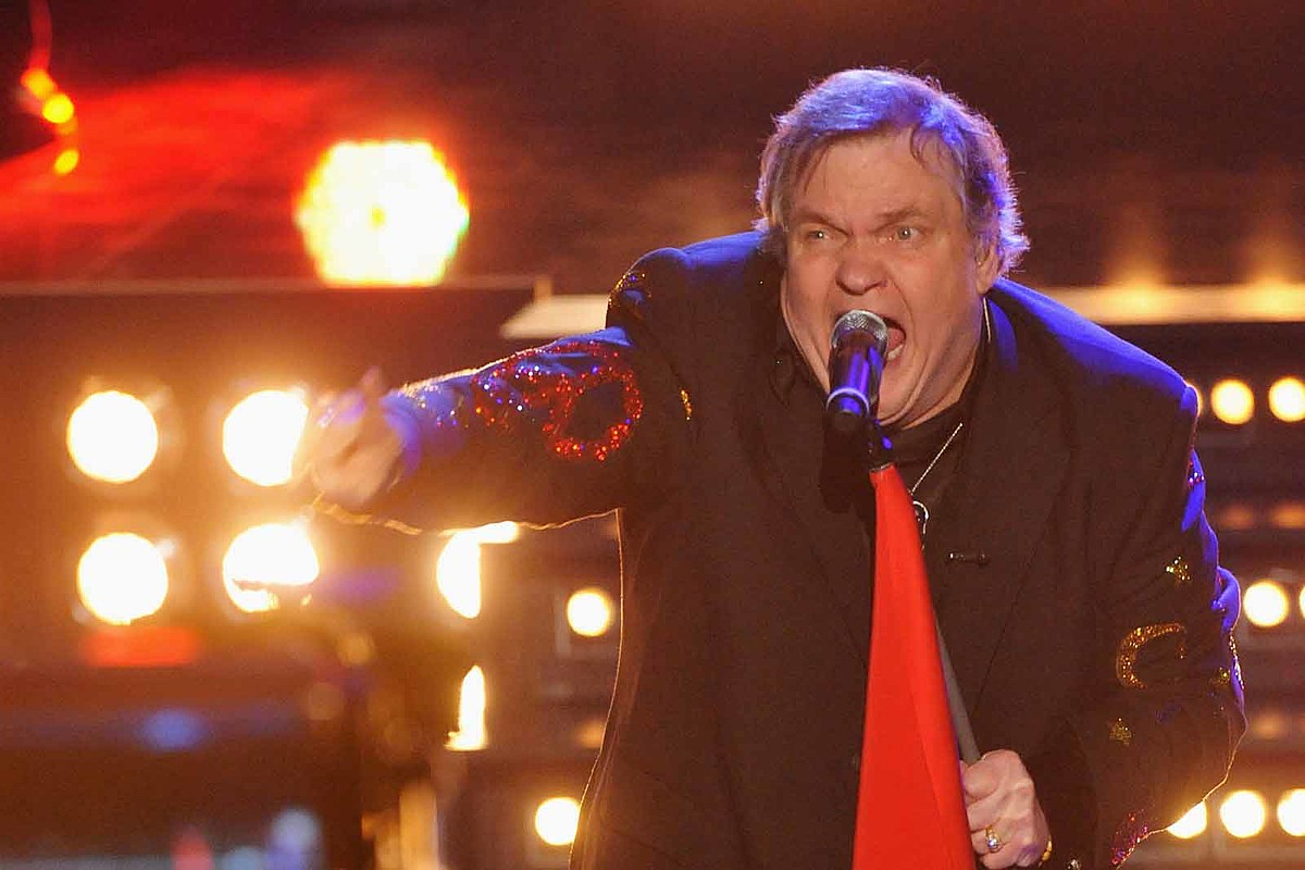 Meat Loaf Reportedly Breaks Collarbone After Falling Onstage