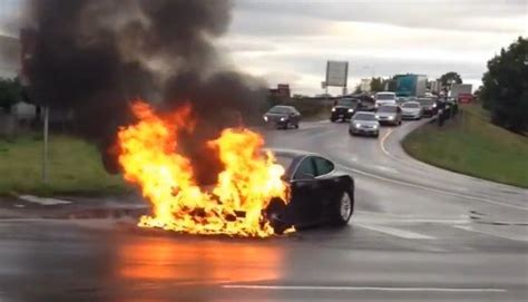 Tesla Model S catches fire after battery puncture, Musk responds