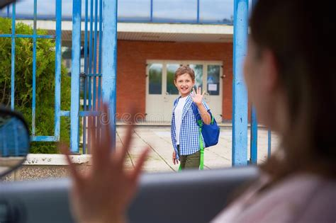 Children Waving Goodbye Stock Photos - Download 84 Royalty ...