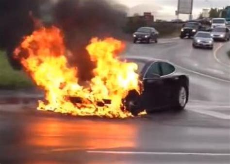 Tesla fire video: NHTSA can't investigate Model S battery fire due to shutdown.