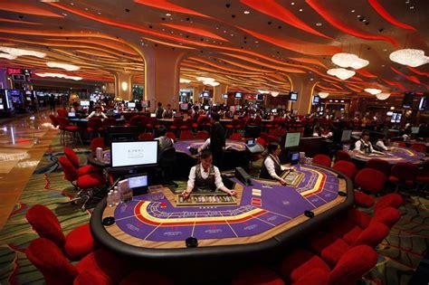 Переходи на сайт Икс Казино и выигрывай в азартных играх на деньги