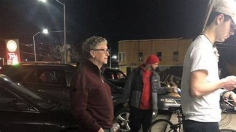 Bill Gates in fila per un hamburger a Seattle. Donati alla ...