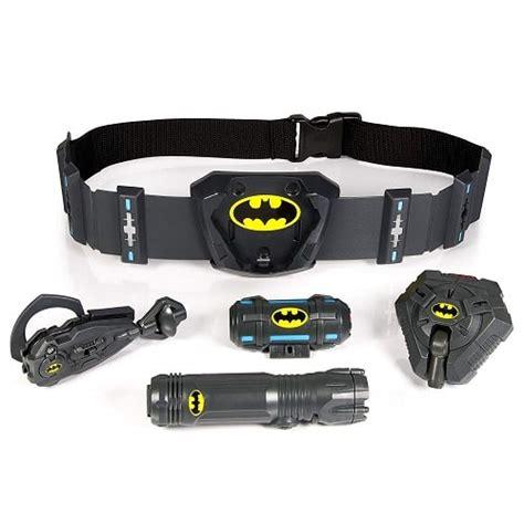 Coolest Gadgets In DC Comics