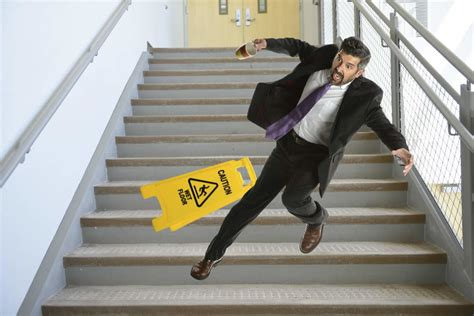 slip & fall lawyer