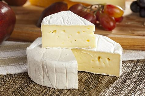 Which Cheeses Are Lower in Fat? | LIVESTRONG.COM