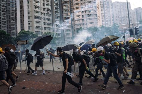 Hong Kong Calls for Backup – Foreign Policy