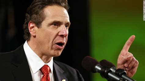 NY Governor moves to hike fast-food wages