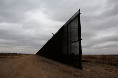 Here's What the U.S.-Mexico Border Looks Like Before Trump ...