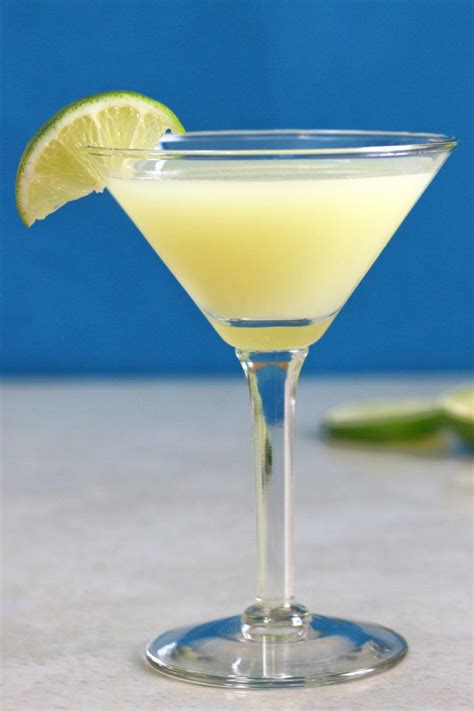 Daiquiri: the classic rum and lime cocktail | Mix That Drink