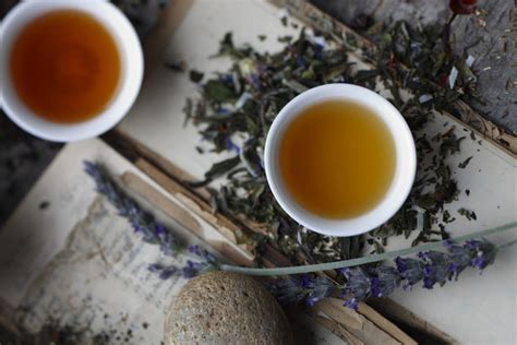 How to Use Tea for A Better Night's Sleep
