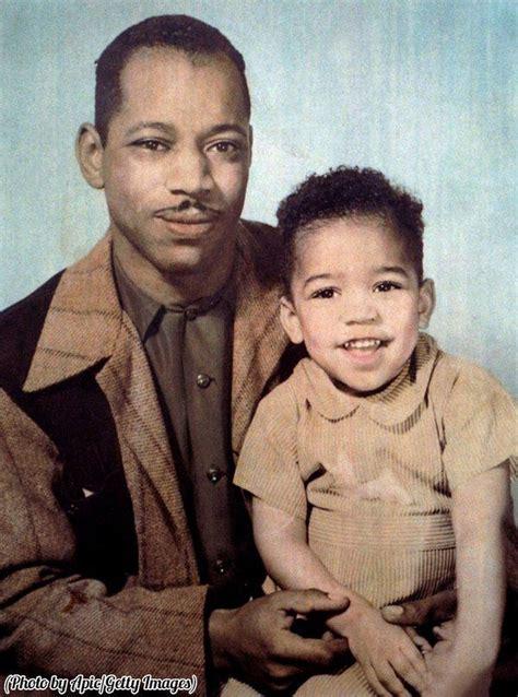 Al Hendrix with his 3-year-old son, Jimi Hendrix, 1945 ...
