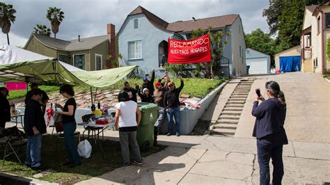 'Reclaimers' occupy vacant homes owned by Caltrans ...