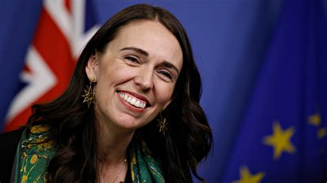 New Zealand PM Jacinda Ardern Pays for Another Mom's ...