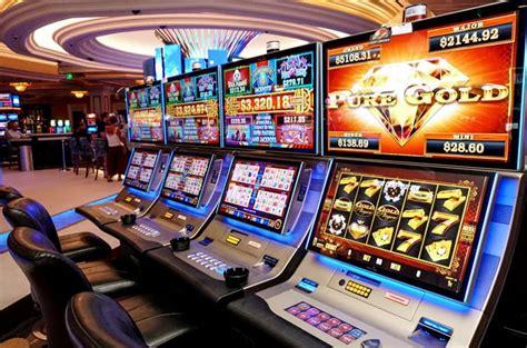 Во время блокировки официального сайта казино Плей Фортуна играть можно на зеркале игрового клуба